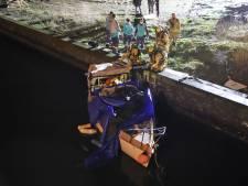 Twee doden in bootje langs Haagse Waldorpstraat, omgekomen door 'noodlottig ongeval'