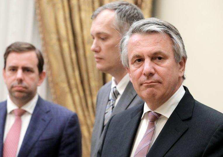 Shell-topman Ben van Beurden (rechts). Beeld  EPA