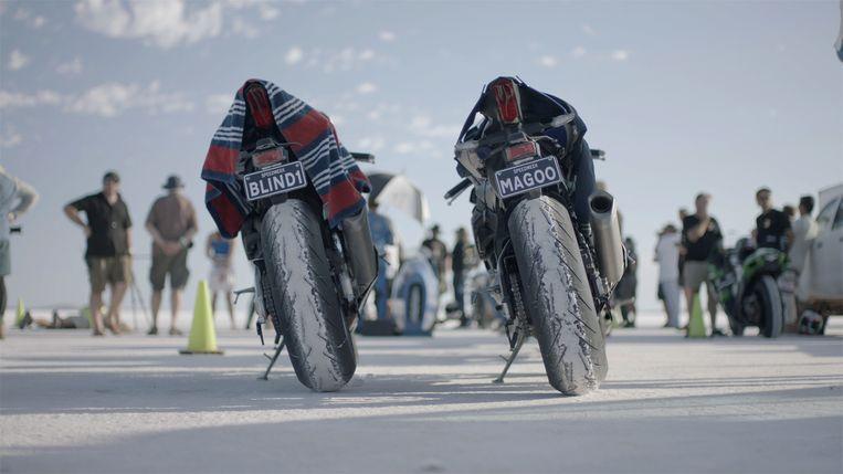 De motoren op het ijsmeer in Dark Rider. Beeld