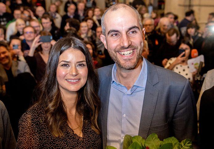 Benit Onay en zijn vrouw na zijn verkiezing.