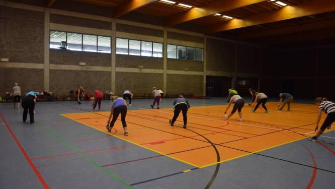 Beerselaars doen aan yoga en figuurtraining in sportcomplex Vogelenzang in Lot