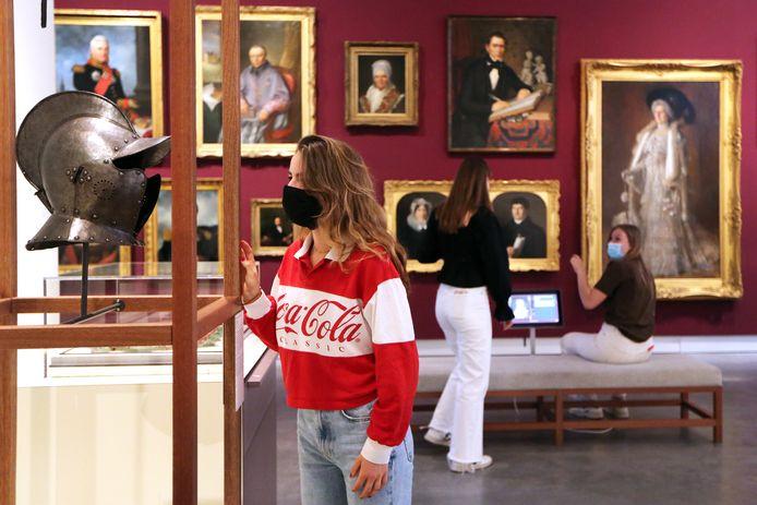 Scholiere Mara (15) was met haar vriedinnen (Eva en Froukje) ook in het Stedelijk museum.