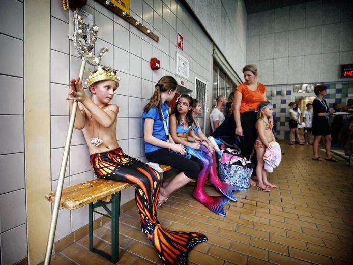 Floris uit Spijk als Neptunus. Buurman Wout zaagde de staf uit. Foto Ruud Voest