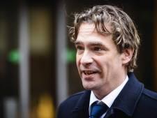 LIVE | Minister Van 't Wout over openen terrassen: 'Doe het niet!', afzwemmen in een zeecontainer