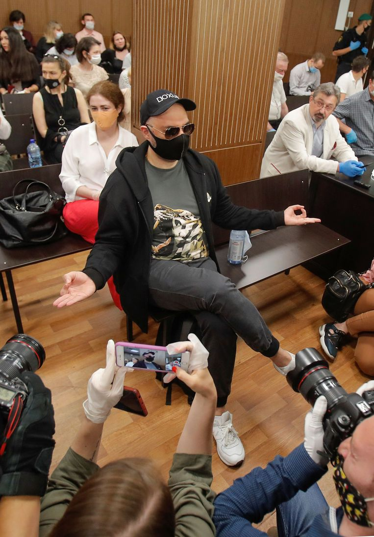 De Russische regisseur Kirill Serebrennikov in juni 2020 in de rechtszaal.  Beeld REUTERS