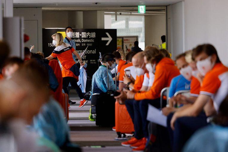 Aankomst in Tokio van een deel van Team NL. Beeld AFP