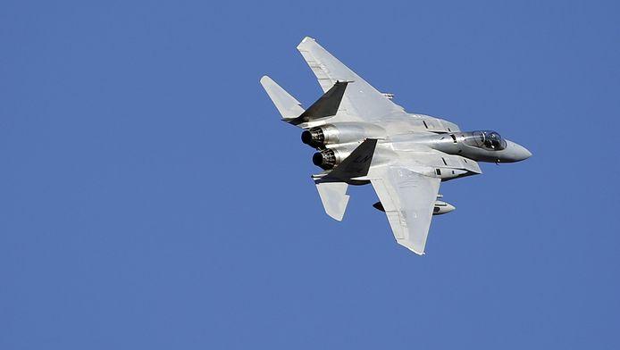 Een F-15C gevechtsvliegtuig.