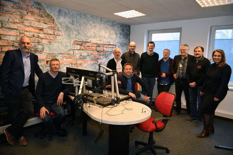 Het team achter Retro Radio Singjaal.