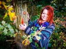 Wie goed zoekt in het bos, spot misschien wel een mini-moskee of altaartje van Heidi (51)