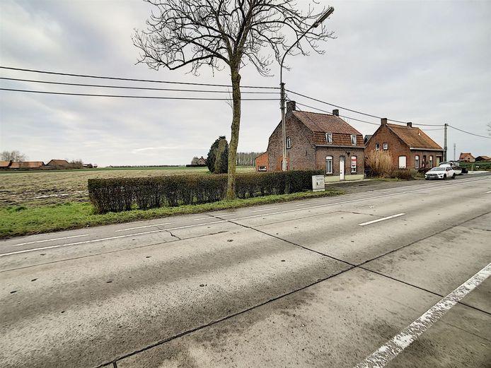 Dit stukje grond langs de Oostvleterenstraat kan je nog veroveren.