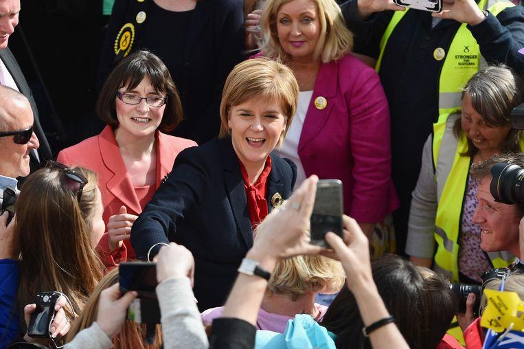 Nicola Sturgeon op campagne in Schotland. Beeld GETTY