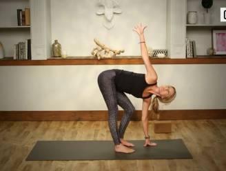 Van deze 5 minuten durende yoga workout val je straks meteen in slaap