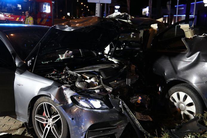 De bestuurder in de Mercedes is geen onbekende voor het gerecht en heeft al een aanzienlijk strafblad.