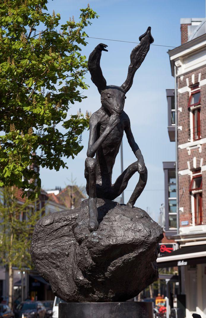 De Haas van de Britse beeldhouwer Barry Flanagan