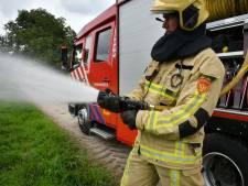 Geparkeerde auto's gaan in vlammen op in Naarden