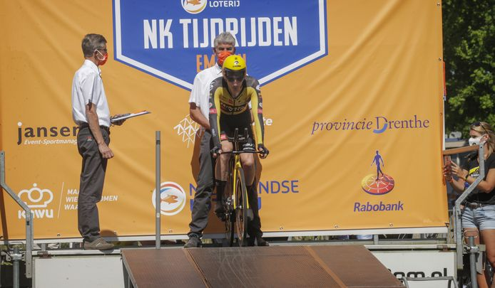 Tim Van Dijke op het startpodium.
