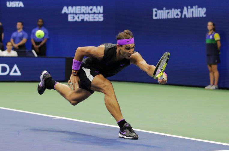 De onvermoeibare Nadal bleef lopen op elke bal. Beeld AP