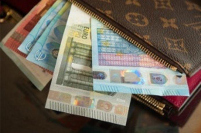 Nous empruntons plus que jamais: voici le montant moyen que les Belges doivent rembourser