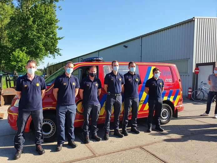 Deze zes brandweermannen zijn de eerste van de nieuwe post Lille.