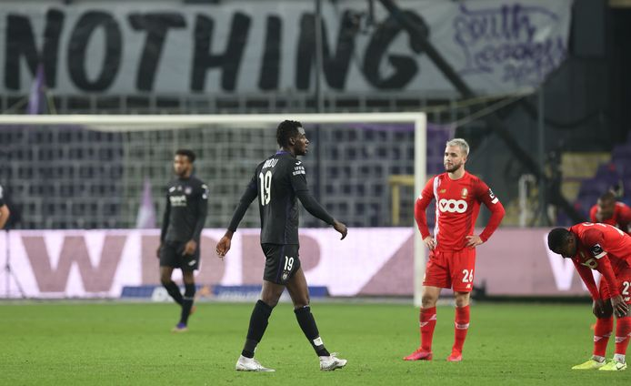 Het werd 0-0 tussen Anderlecht en Standard in het Lotto Park.