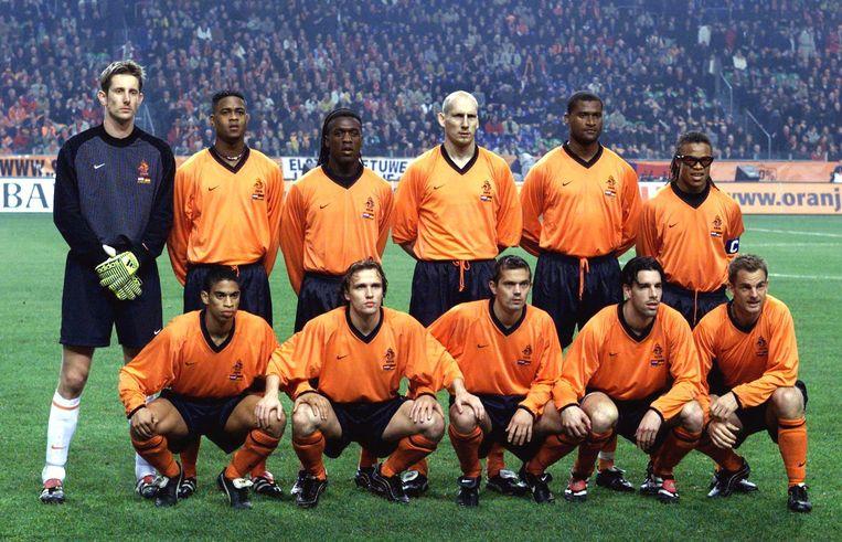 Het Nederlands elftal in 2000: Edwin van der Sar,Patrick Kluivert, Clarence Seedorf, Jaap Stam, Winston Bogarde, Edgar Davids, Michael Reiziger, Boudewijn Zenden, Philippe Cocu, Ruud van Nistelrooy, Ronald de Boer. Beeld ANP