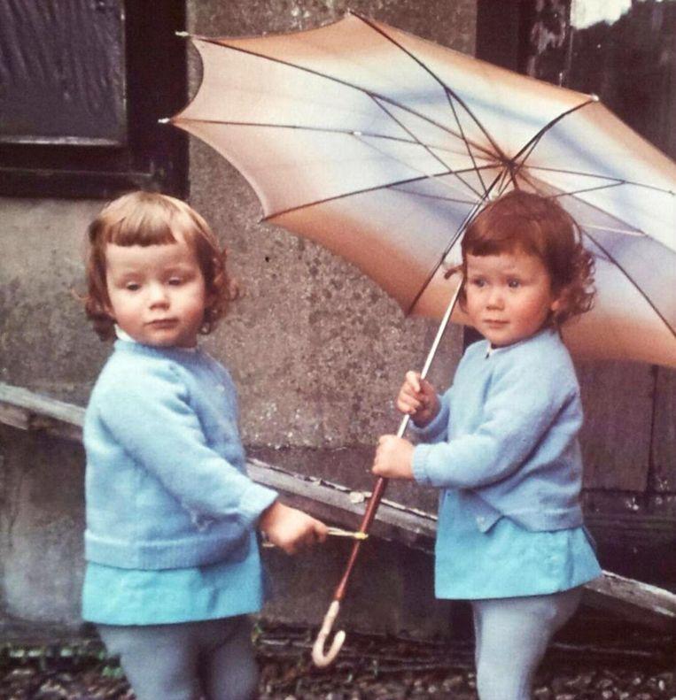 Kinderfoto Ellie, rechts op foto Beeld onbekend