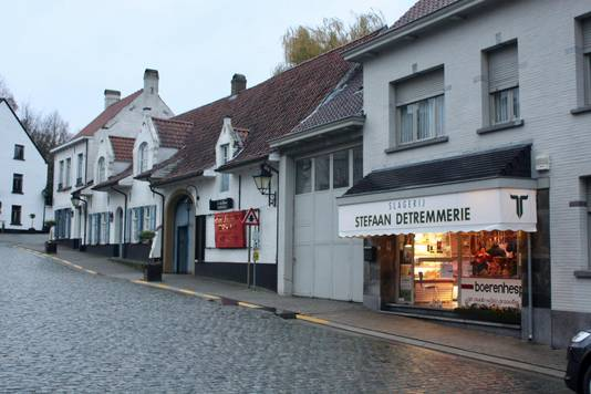 Slagerij Detremmerie is al 104 jaar een vertrouwd zicht in de dorpskern van Nokere.