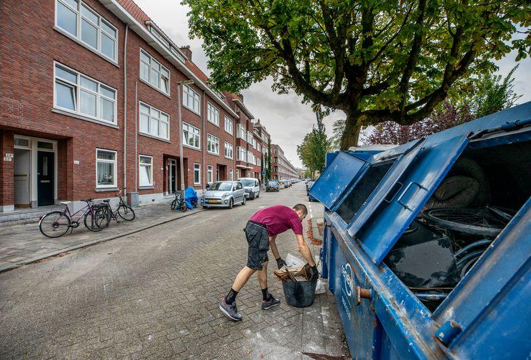 Ook in de Millinxstraat in Rotterdam-Zuid heeft Blackstone woningen opgekocht. Beeld Raymond Rutting / de Volkskrant