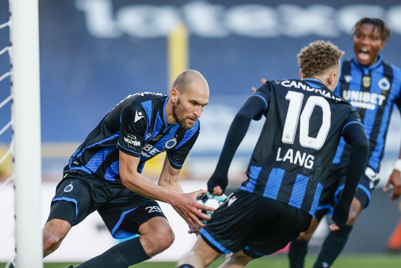 Bas Dost en Noa Lang maakten hun zestiende goal voor Club Brugge.