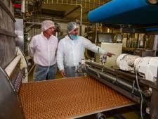 Hittegolf of niet: in deze fabriek in Harderwijk worden nu 23 miljoen kruidnoten per dag gemaakt