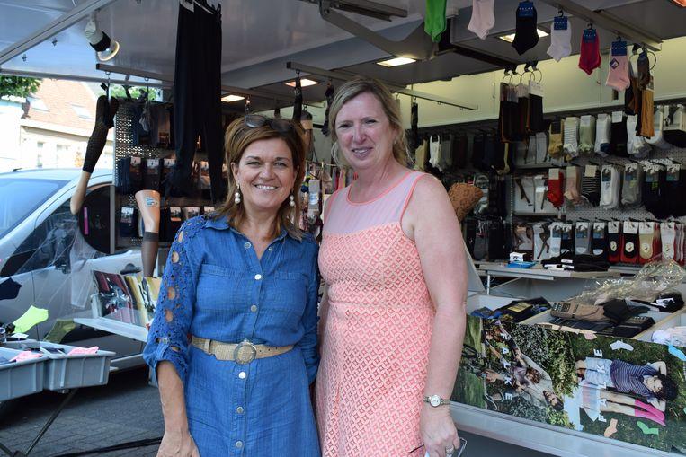"""Marktkraamster Isabel De Mol en marktschepen Isabel Dellaert: """"Er moest iets gebeuren om de markt nieuw leven in te blazen."""""""