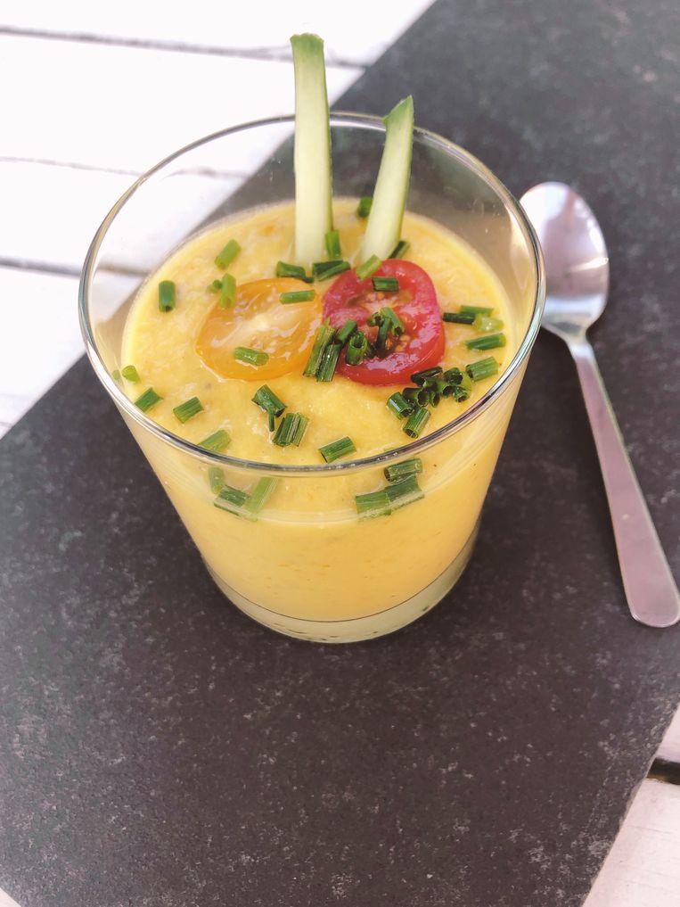 Gele gazpacho. Beeld Tallina van den Hoed