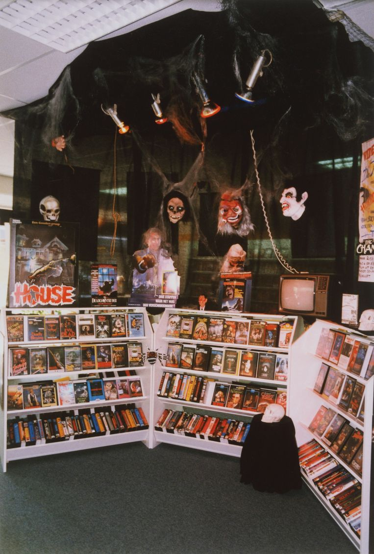 Videotheek de Filmfreak, Hesseplaats 197 Beeld Martin Schaeffer, 1987, uit het boek Home Video van Gyz La Rivière