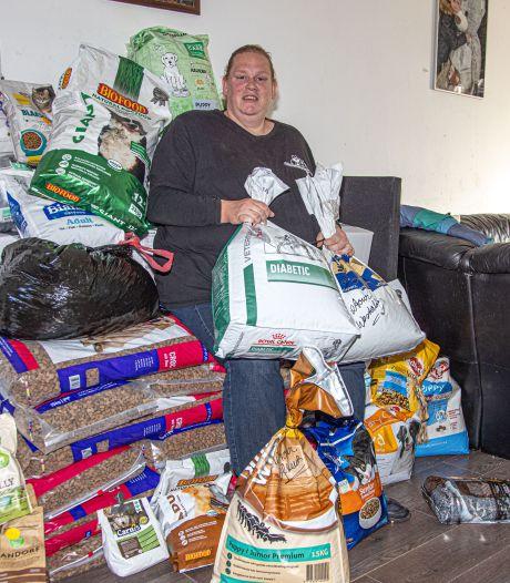 Dierenvoedselbank Zwolle zoekt dringend opslagruimte: 'Ik heb 400 kilo voer in mijn huiskamer'