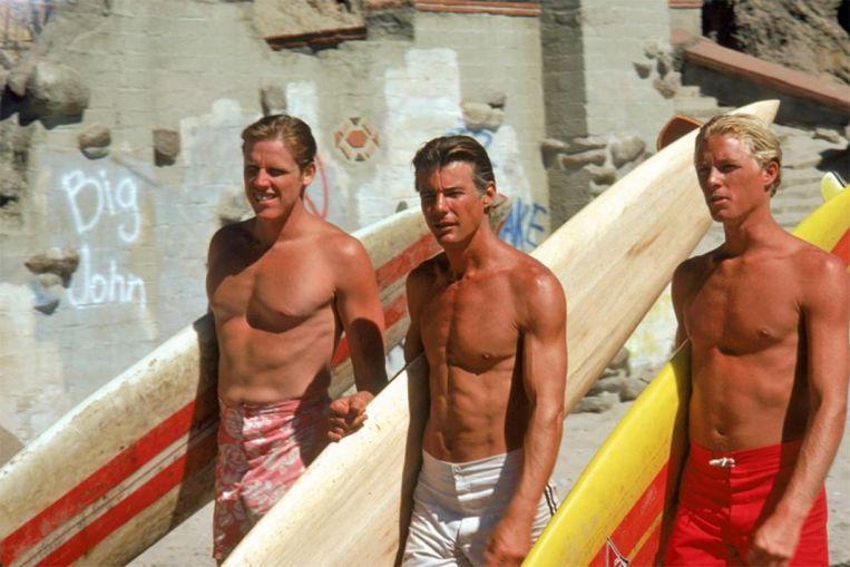De gebruinde blonde surfers in Big Wednesday (1978) zijn de helden van het strand.  Beeld
