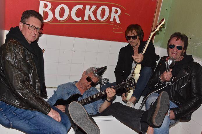 Rik Masselis (drummer), Frank Frans (bas) Holvoet, Peter Coppens (gitaar) en Lucien Callewaert (zanger) weten ook na 40 jaar van geen ophouden.