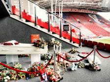 Spelers FC Utrecht bij afscheid van Seb (11) in stadion FC Utrecht