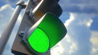 Minder file en minder luchtvervuiling door slimme verkeerslichten in Brussel