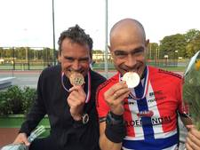 Bronzen plak voor Rijssenaren bij adventure race