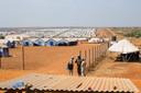 Het vluchtelingenkamp in Zuid Soedan, dit is een derde van het totale kamp.