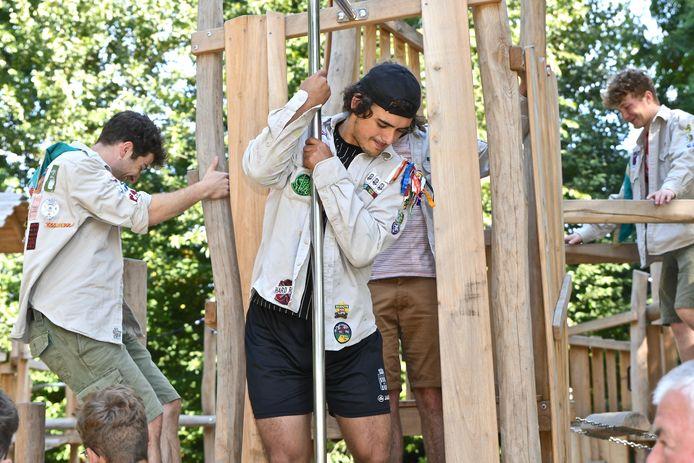 Nieuw speelplein aan de Scoutslokalen in de Koekuit in Menen.