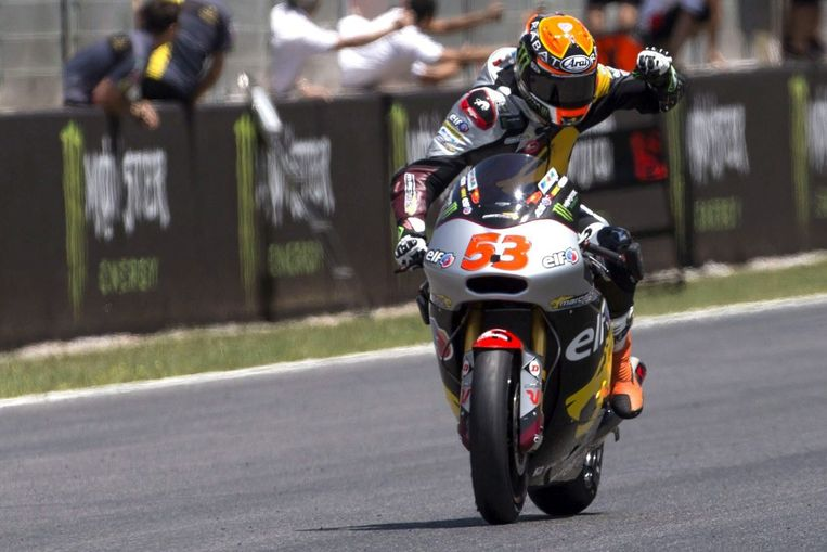 Met Esteve Rabat in de Moto2 was er nog een Spanjaard aan het feest op het Catalaanse asfalt. Beeld EPA