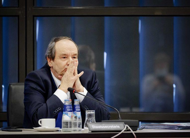 Demissionair staatssecretaris van financiën Hans Vijlbrief tijdens een overleg in de Tweede Kamer over de Belastingdienst. Beeld ANP