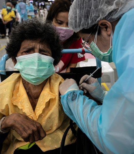 Weinig vaccins uit EU naar arme landen, tienduizenden overtollige Nederlandse vaccins zelfs vernietigd