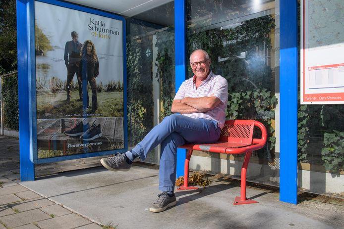 Jeroen Verhaak, voorzitter dorpsraad Boekelo, moet nog even geduld hebben. De buurtbus van en naar Boekelo gaat later weer rijden.