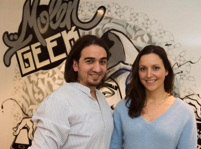 Ibrahim Ouassari et Julie Foulon, co-fondateurs de MolenGeek, lors de son inauguration à Molenbeek