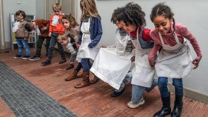 """Merghelycnk Museum leidt kinderen op tot lakei of dienstmeid: """"Ludieke manier om hen over de geschiedenis te leren"""""""