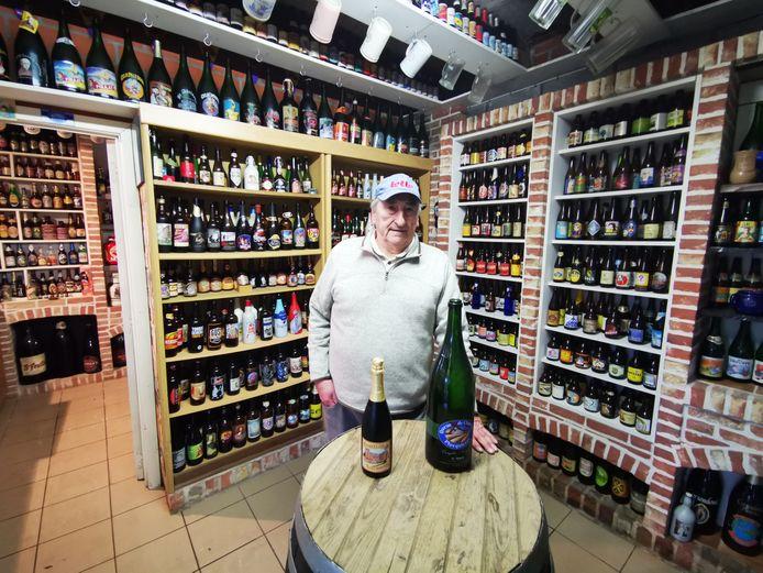 Daniël Hoornaert doekt zijn biermuseum in Hooglede op en roept collega-verzamelaars op om een kijkje te komen nemen.
