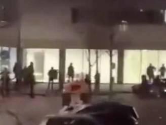 """Relschoppers belagen ziekenhuis in Enschede: """"Ik hoop dat ze vanochtend beschaamd wakker worden"""""""