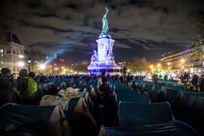 De Franse politie ontmantelde gisteravond het tentenkamp in Parijs.